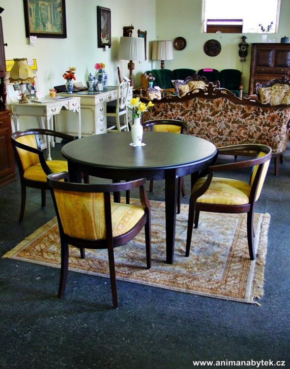 anima - 1262.jpg - Jídelní stůl